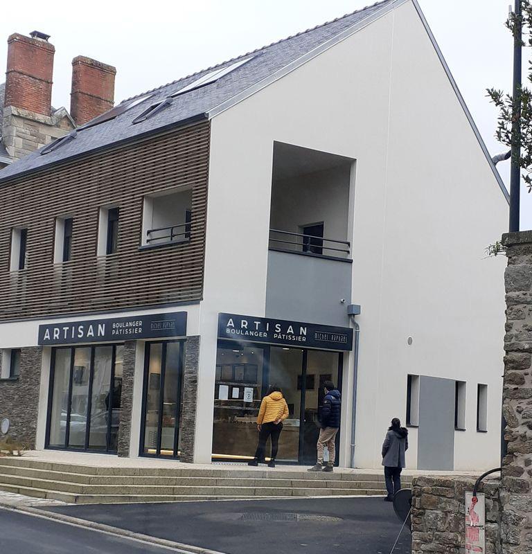 Boulangerie et logements sociaux réalisés à Vigneux-de-Bretagne (44) par Berthelot Constructions